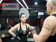 """2 kiều nữ Việt Nam """"hạ knock-out"""" huyền thoại UFC"""