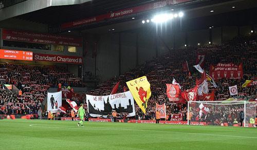 """Liverpool - MU & những pha bóng """"nóng hừng hực"""" - 9"""