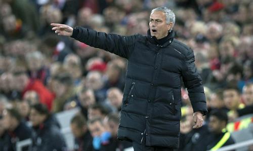 Cộng đồng mạng: Mourinho tiêu hơn 100 triệu bảng để phòng ngự - 1