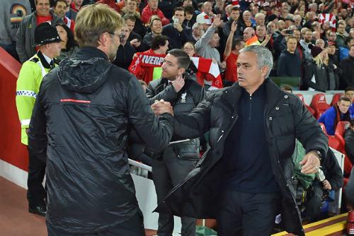 Mourinho vui với 1 điểm cho MU, Klopp tiếc nuối - 1