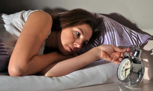 """Mất ngủ ở phụ nữ: Cách """"độc đáo"""" để có giấc ngủ ngon - 1"""