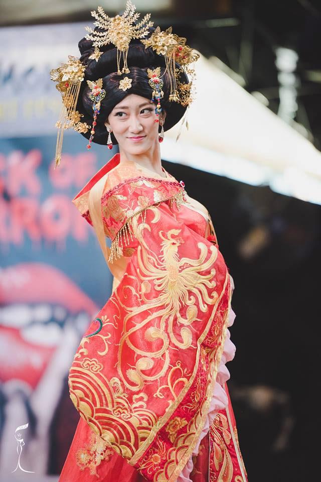Sốc với Hoa hậu Trung Quốc mặt già nhăn - 1