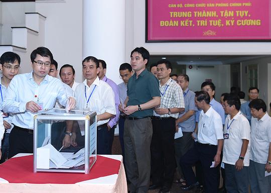 Thủ tướng, Phó Thủ tướng quyên góp ủng hộ đồng bào miền Trung - 3