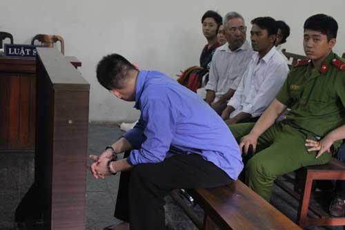 Tăng án phạt kẻ giết người vì từ chối đi mua ma túy - 1