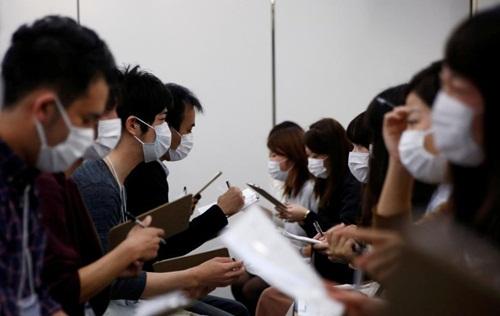 Hàng trăm thanh niên Nhật phải đeo khẩu trang để hẹn hò - 3