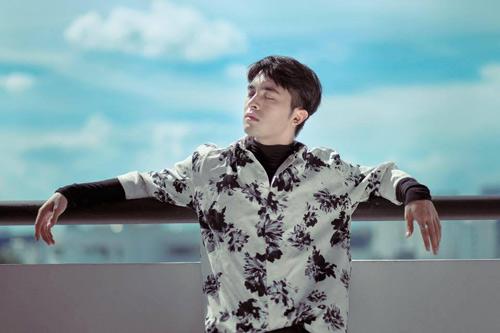 """Cận cảnh chàng trai khiến Chi Pu """"đổ gục"""" trong phim mới - 7"""
