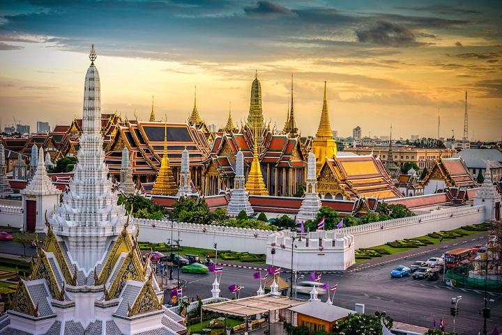 Khối tài sản khổng lồ của vị vua quá cố Thái Lan - 2