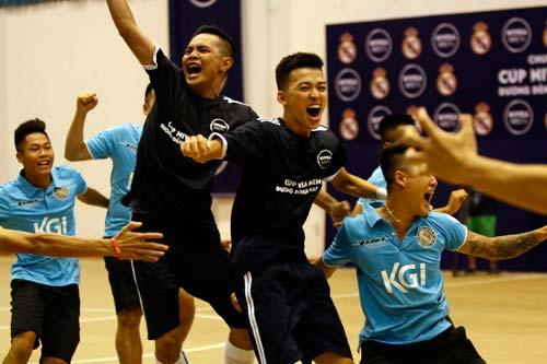 """Nhà vô địch FC Thành Đồng hồi hộp chờ """"giờ G"""" đến Real Madrid - 1"""