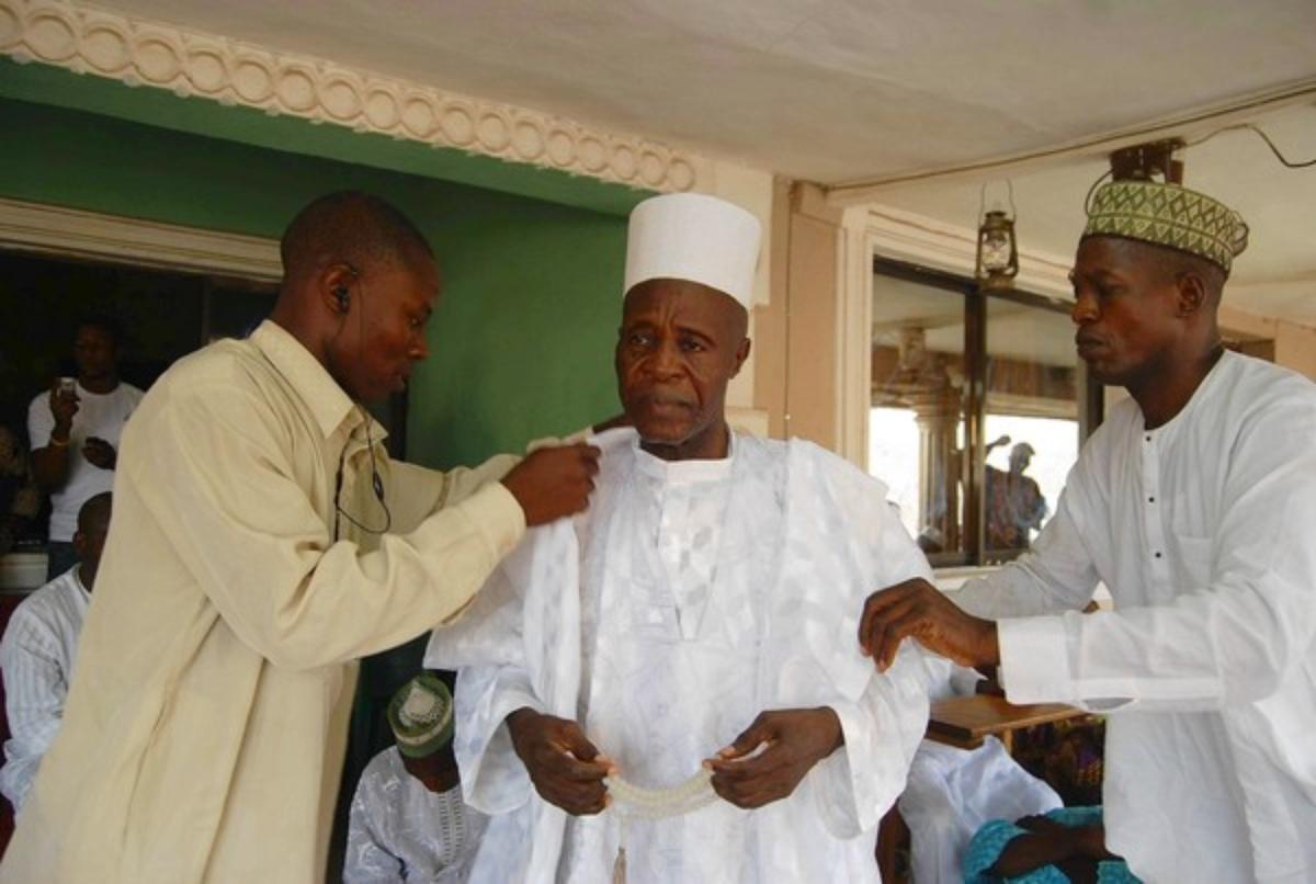 Cụ ông Nigeria 97 vợ vẫn muốn cưới thêm - 1