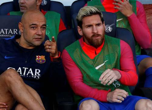Pep ngầm ý mời gọi Messi gia nhập Man City - 2