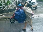 Tin tức trong ngày - Ảnh hưởng bão số 7, Hà Nội mưa to từ chiều tối nay