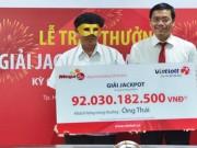 Tin tức trong ngày - Trao thưởng xổ số 92 tỉ: Người nhận phải đeo mặt nạ