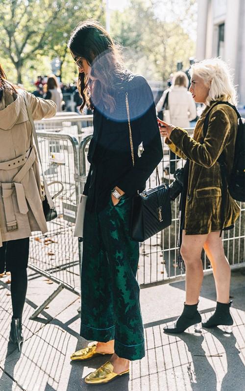 5 xu hướng giày đang khiến cả Paris náo loạn - 9
