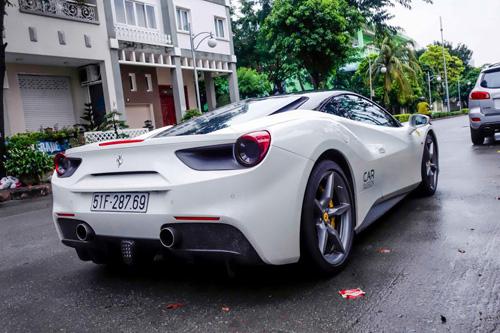 """Ferrari 488 GTB của Cường """"đô-la"""" dẫn đầu đoàn siêu xe diễu phố - 3"""