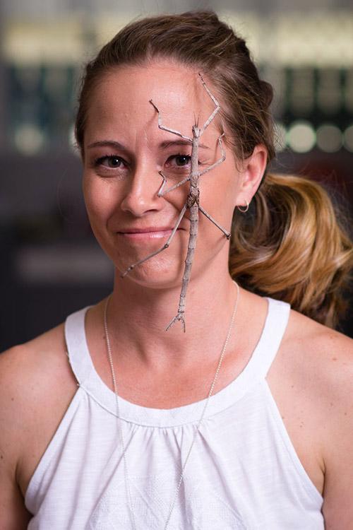 Cô gái Mỹ có sở thích chơi đùa và nuôi nhện độc - 8