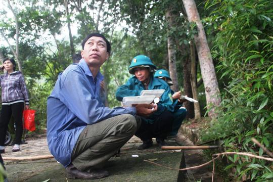 """""""Căng mắt"""" theo dấu trực thăng mất tích trên núi Dinh - 4"""