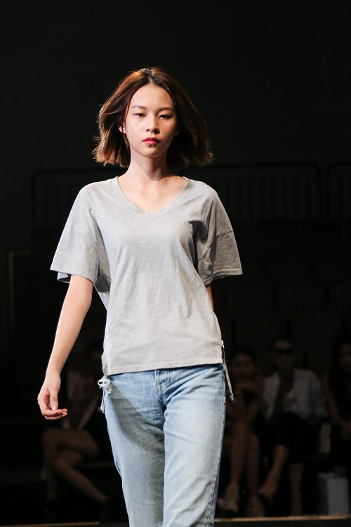 Chân dài Việt rủ nhau mặc sexy tổng duyệt thời trang - 7