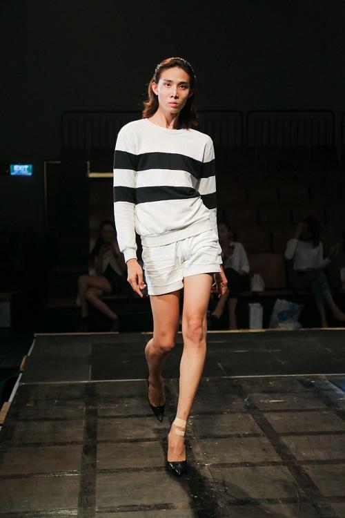 Chân dài Việt rủ nhau mặc sexy tổng duyệt thời trang - 8