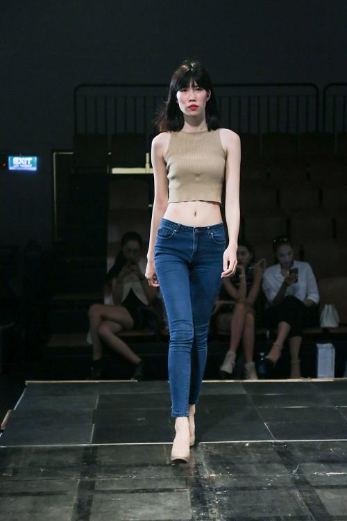 Chân dài Việt rủ nhau mặc sexy tổng duyệt thời trang - 9