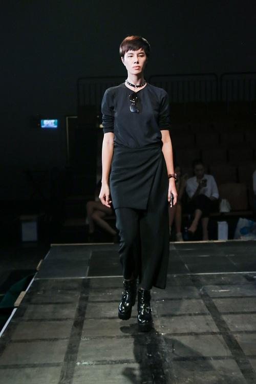Chân dài Việt rủ nhau mặc sexy tổng duyệt thời trang - 11