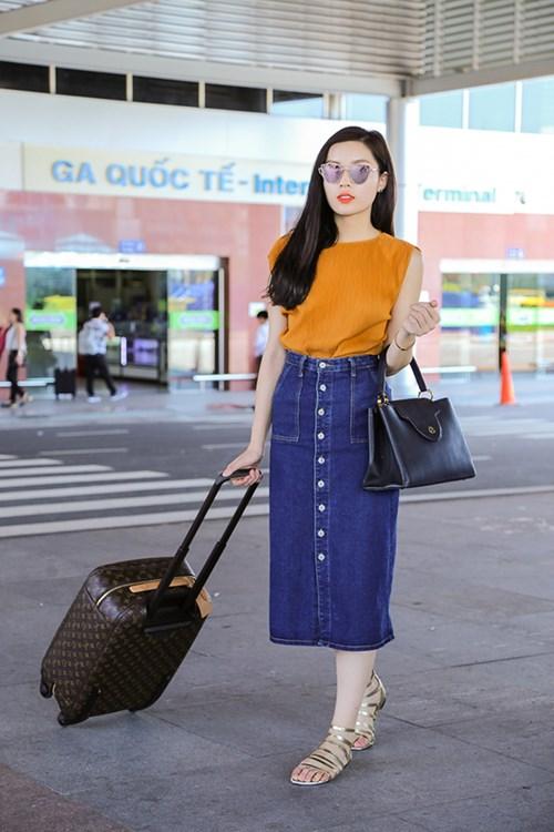 """Hễ ra sân bay, hoa - á hậu Việt lại mặc """"chất"""" thế này - 14"""