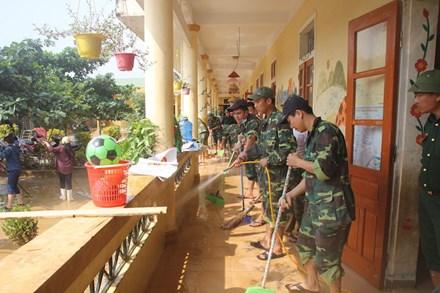 Ngành giáo dục Hương Khê nỗ lực khắc phục trường lớp sau lũ - 1