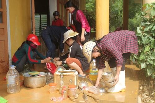 Ngành giáo dục Hương Khê nỗ lực khắc phục trường lớp sau lũ - 2