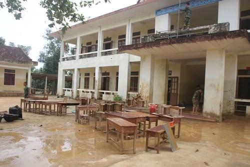 Ngành giáo dục Hương Khê nỗ lực khắc phục trường lớp sau lũ - 3