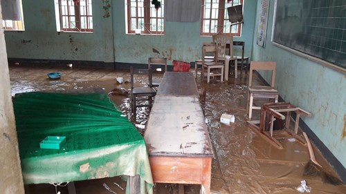 Ngành giáo dục Hương Khê nỗ lực khắc phục trường lớp sau lũ - 4