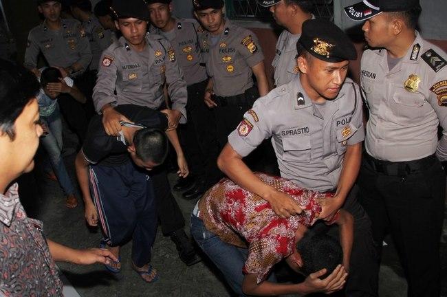 Tổng thống Indonesia nói về thiến hóa học kẻ hiếp dâm - 2