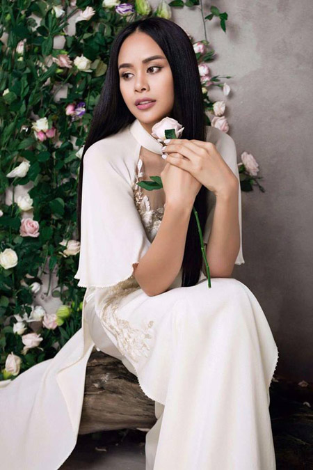 Sella Trương đẹp thanh tao với loạt áo dài cách tân - 7