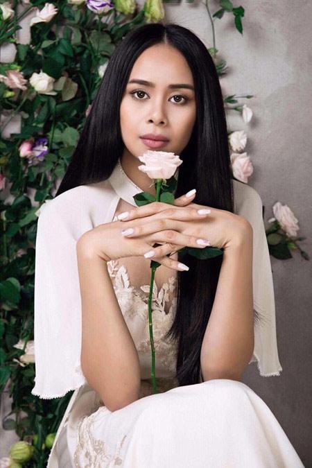 Sella Trương đẹp thanh tao với loạt áo dài cách tân - 3