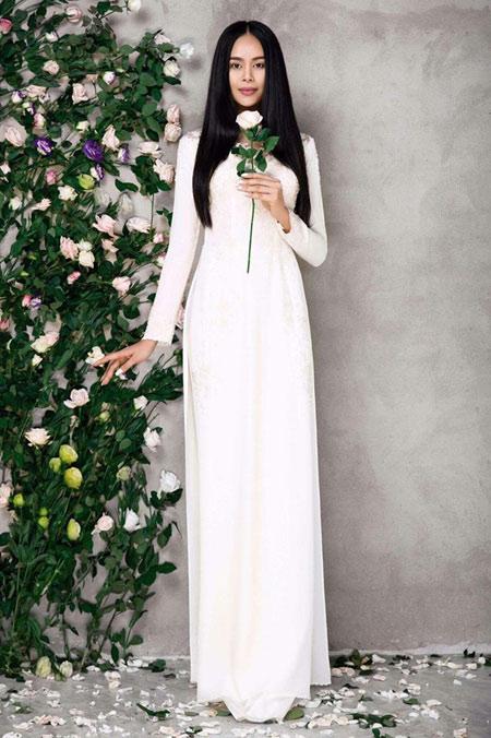 Sella Trương đẹp thanh tao với loạt áo dài cách tân - 10