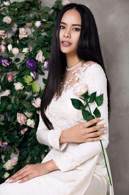 Sella Trương đẹp thanh tao với loạt áo dài cách tân - 5