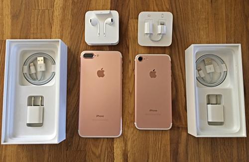 Top smartphone màu vàng hồng cho chị em ngày 20/10 - 1