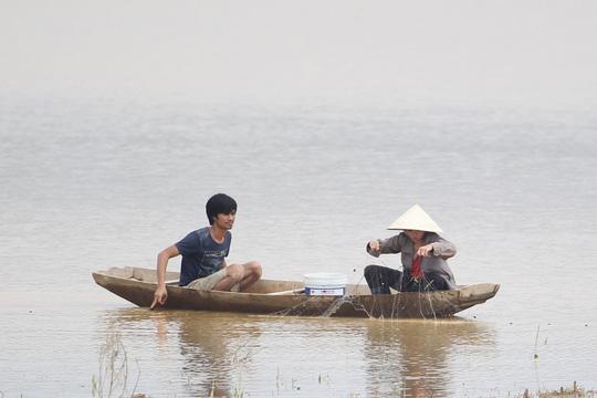 """Cận cảnh hoang tàn trong """"rốn lũ"""" Hương Khê - 20"""