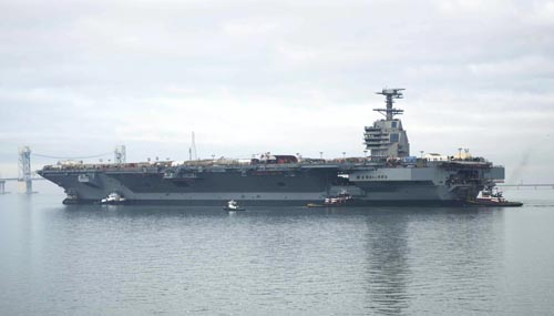 """Quá """"đắm đuối"""" với tàu sân bay khiến Mỹ yếu trước Nga, TQ - 1"""