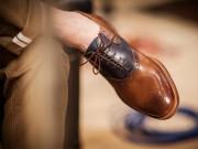 Thời trang - Giày hết mùi hôi nhờ tuyệt chiêu trà túi lọc thơm ngát