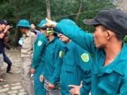 """Tin tức trong ngày - """"Căng mắt"""" theo dấu trực thăng mất tích trên núi Dinh"""