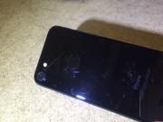 Dế sắp ra lò - Chữ iPhone trên bản iPhone 7 Jet Black dễ bị bong