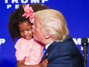 Thế giới - Bé gái hoảng hốt giãy nảy khi bị Trump cố thơm má