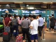 Tin tức trong ngày - Nữ nhân viên hàng không bị hành khách đánh ở Nội Bài