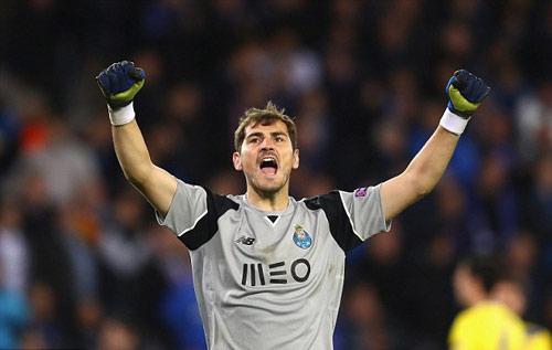 Casillas lại lập kỷ lục chỉ Ronaldo phá được - 1
