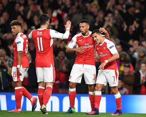 "Arsenal – Ludogorets: Tha hồ ""bắn phá"" - 1"