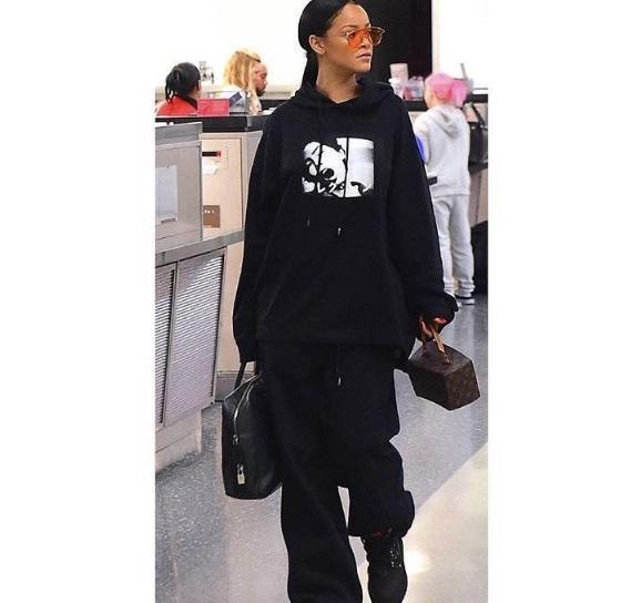 Hậu chia tay bạn trai, Rihanna ngày càng nóng bỏng - 4