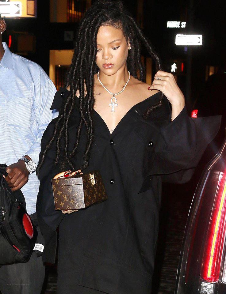 Hậu chia tay bạn trai, Rihanna ngày càng nóng bỏng - 8