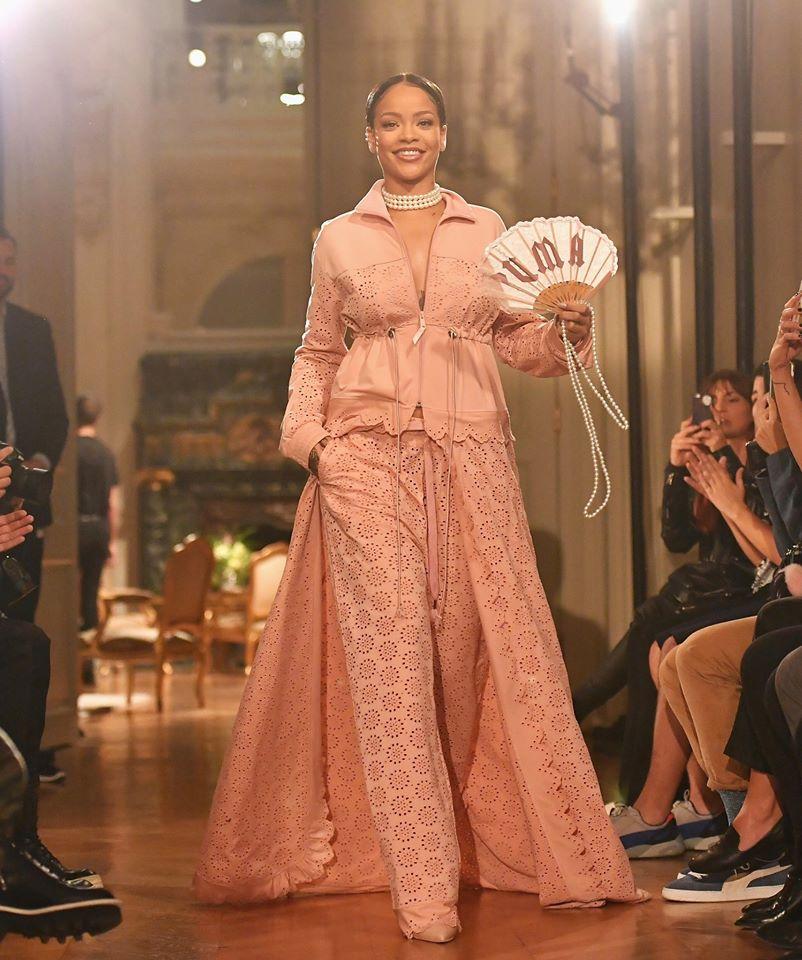 Hậu chia tay bạn trai, Rihanna ngày càng nóng bỏng - 11