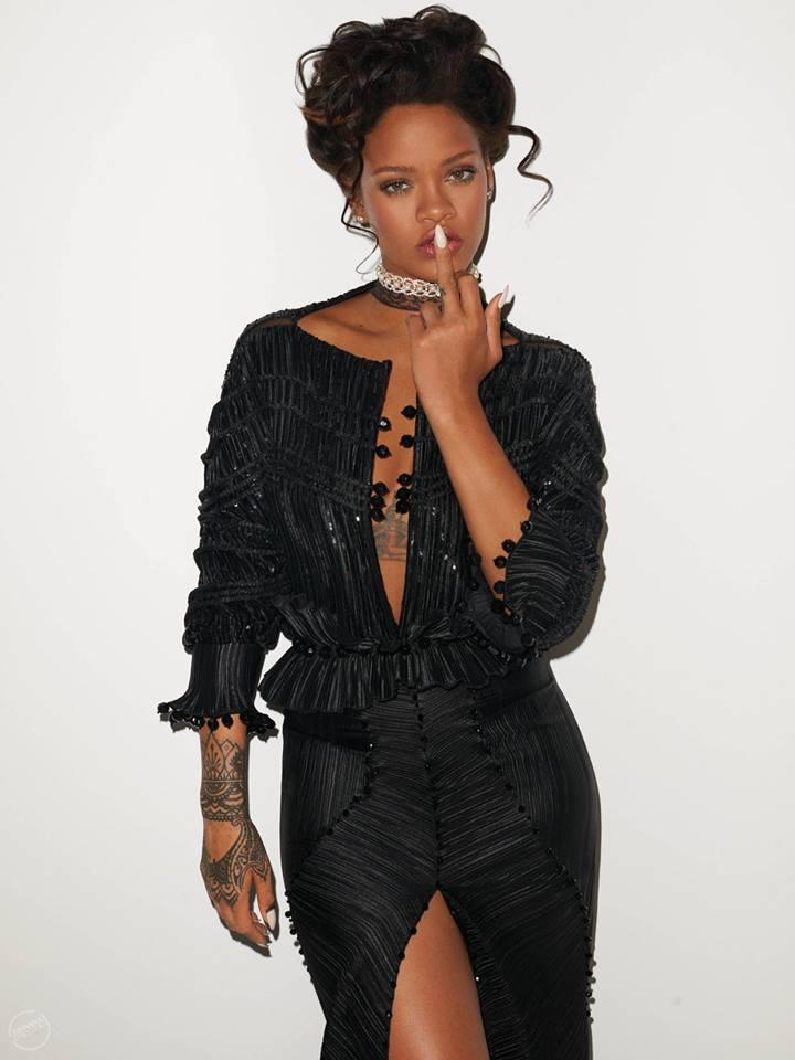 Hậu chia tay bạn trai, Rihanna ngày càng nóng bỏng - 13