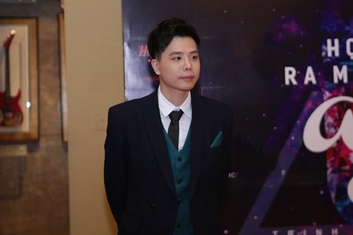 Ca sĩ Việt Nam đầu tiên ra mắt album bằng USB - 2