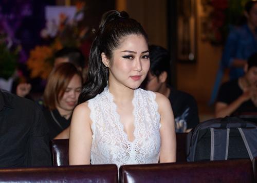 Ca sĩ Việt Nam đầu tiên ra mắt album bằng USB - 3
